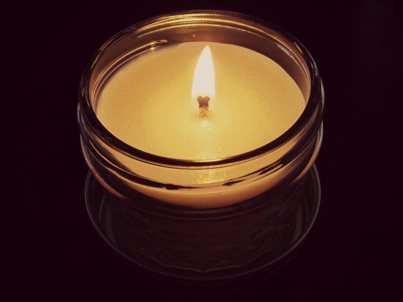 Petunia's Corner Nordic Spa Candle Review