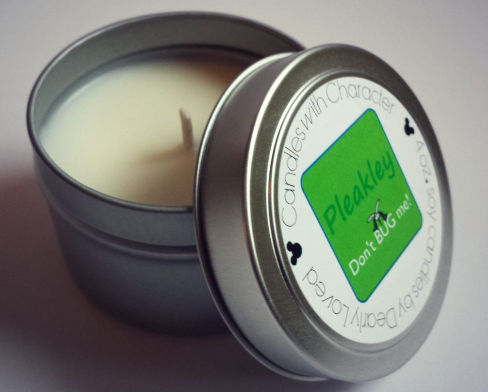 Poor Pleakley! Always finding himself swarmed with mosquitoes here on Earth, it's time to say don't BUG me! The scent of this soy candle is citronella, making it perfect to enjoy outdoors as a natural bug repellant.
