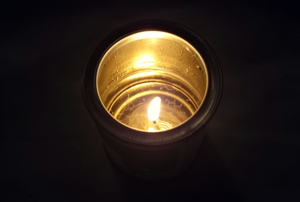 esscentual-candles-morning-dew-candle-review